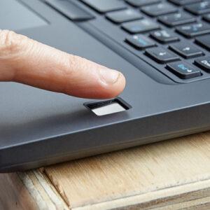 لپتاپ استوک Dell مدل Latitude 5480 اثر انگشت حسگر