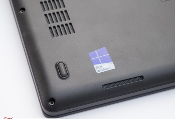 لپتاپ استوک Dell مدل Latitude 5480 زیر بلندگو