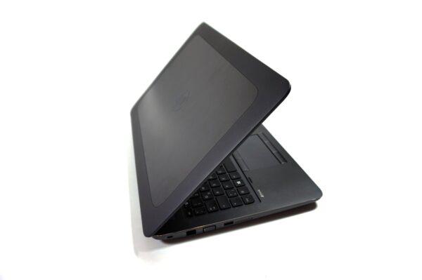 لپتاپ استوک HP مدل ZBook 15 G3 نیمه باز چپ