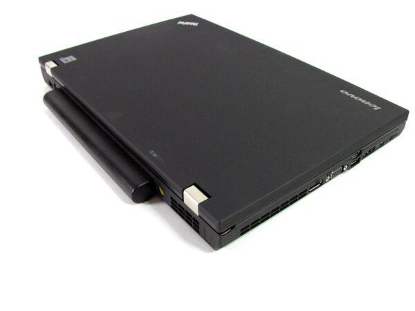 لپتاپ استوک Lenovo مدل ThinkPad W520 بسته