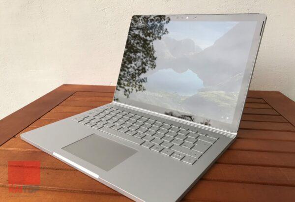 تبلت استوک 13 اینچی مایکروسافت مدل Surface Book 2 راست۱