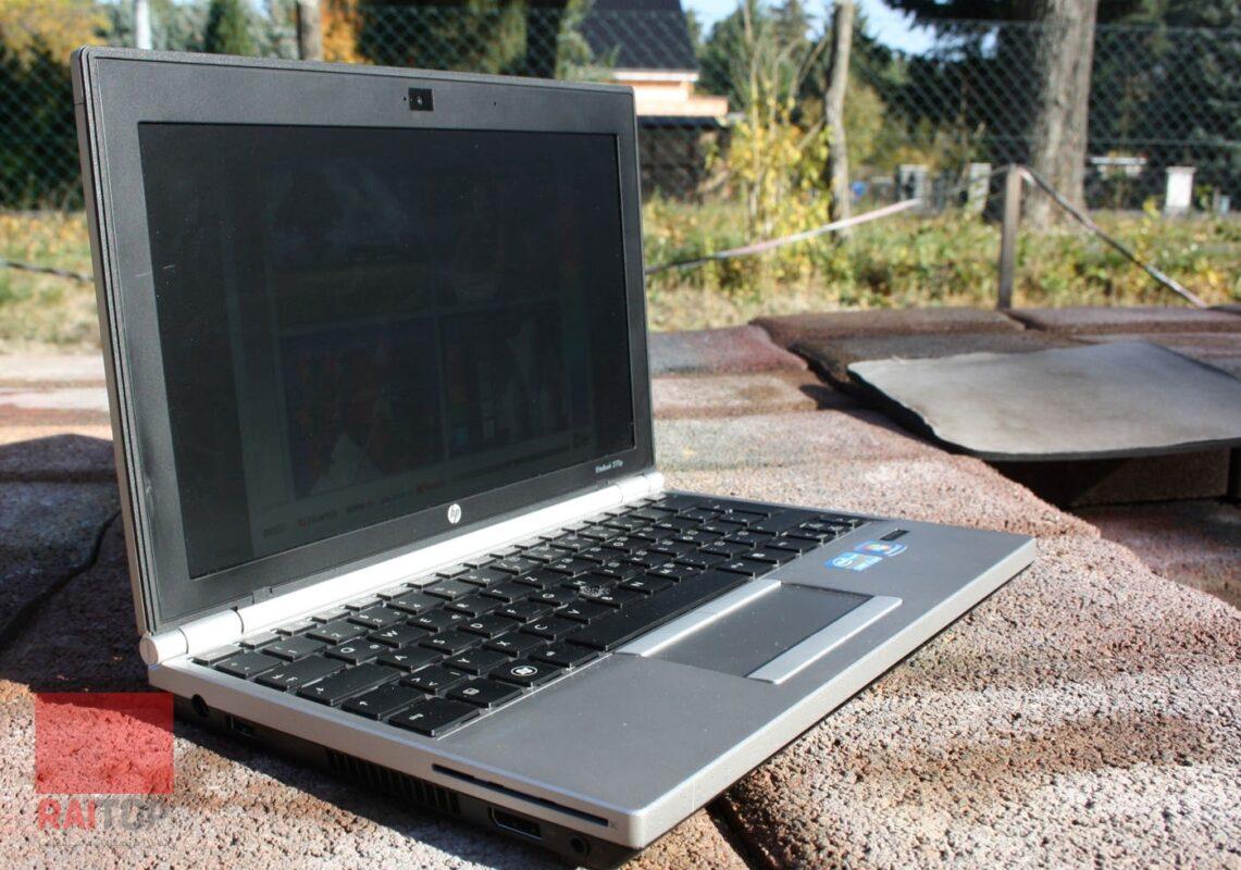 مینی لپ تاپ 11.6 اینچی استوک HP مدل EliteBook 2170p در فضای باز