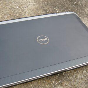 لپ تاپ استوک 13.3 اینچی Dell مدل Latitude E6320 i3 بسته